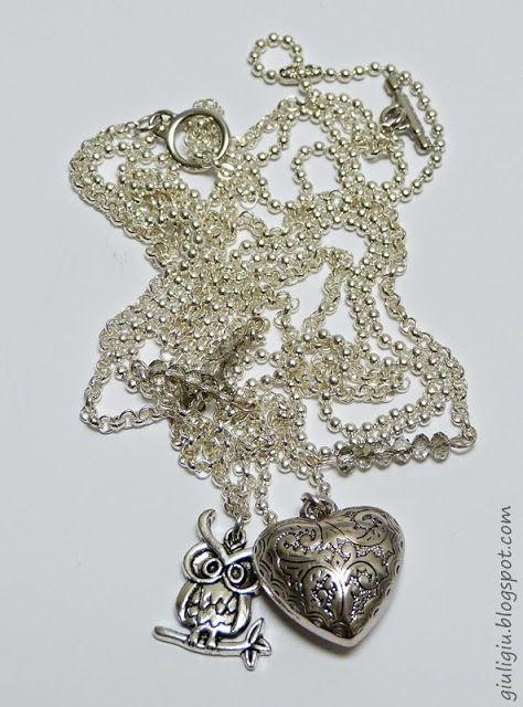 Collana fatta a mando. Handmade necklace. Un gufo, un cuore e una catena in stile mlitare.