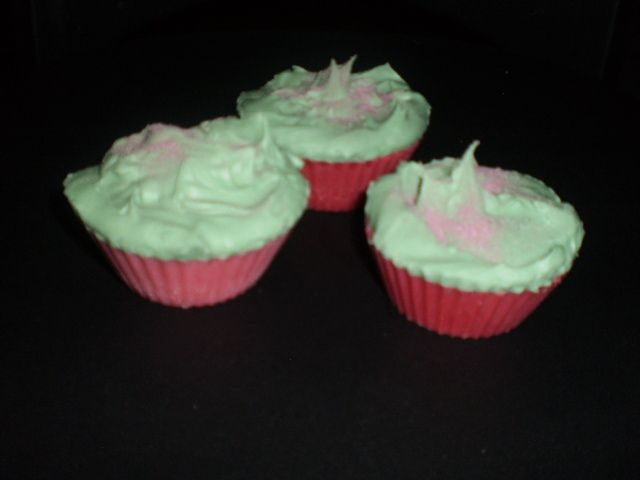 """""""Vanilla/mixed lollies"""" cupcake melts. (double layered scent. bottom is vanilla and top is mixed lollies) $6 each"""
