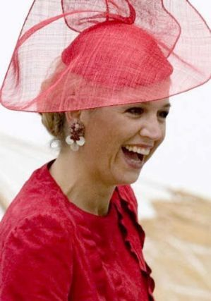 queen maxima in red ~ always with a lovely smile