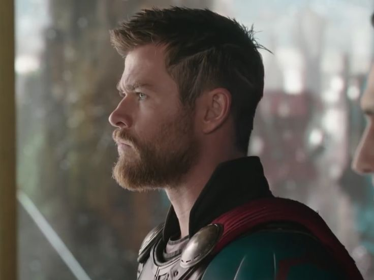 Chris Hemsworth Hair Thor Ragnarok Прическа мужчины