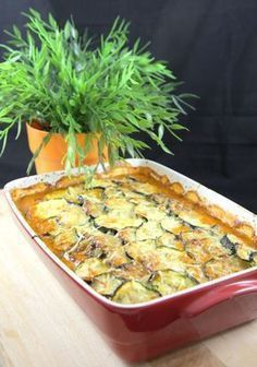 courgette, oignon, Viandes, coulis de tomate, crème fraîche liquide, gruyère râpé, poivre, sel