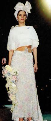 www.jornaljardins.blogspot.com: EXPOSIÇÃO CORTES E RECORTES MOSTRA CRIAÇÕES DE CLODOVIL HERNANDES Criou esta belíssima noiva com exclusividade para a Top Marcelle Bitar, desfilar no evento da APAE em 2000!!