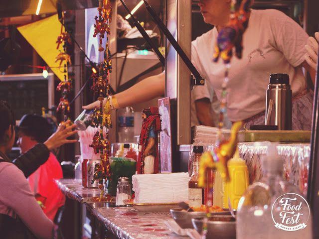 Llega a La Rural #FoodFest el festival de gastronomía sobre ruedas   El 29 y 30 de octubre de 12 a 23 hs. y de 12 a 20 hs. respectivamente. El evento que reunirá lo mejor de la tendencia gastronómica en Buenos Aires: food trucks espacio gourmet DJ Sets y artistas callejeros. Se realizará al aire libre y en la pista central de La Rural. La entrada es gratuita.  El 29 y 30 de octubre de 12 a 23 hs. y de 12 a 20 hs. respectivamente se llevará a cabo la primera edición de Food Fest BA al aire…