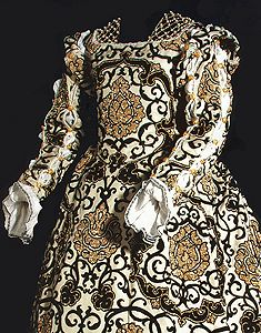 1550 Eleonora de Toledo Reconstruction by King.it, for an exibition of Italian Historical Fashion in 2007(?).