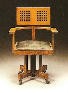 Oak Larkin chair by Frank Lloyd Wright designed for the Larkin Administration building, Buffalo, NY