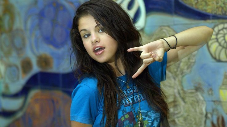 Selena Gomez Wizards Of Waverly Place wallpaper