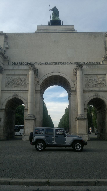 jeep in jeans Monaco Germania