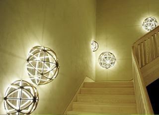 rimelig deilige lamper i trappen her;-)