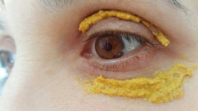 Kurkuma kolem očí - obklad