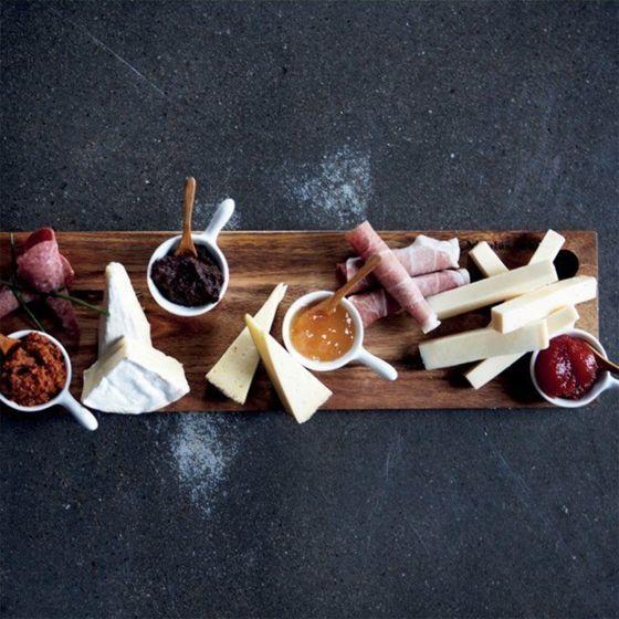 Planche à Tapas - Une belle planche en bois d'acacia pour partager (ou non) son apéro. #tapas #aperitif #planchetapas