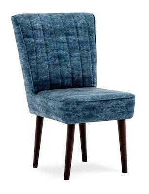 Exploreaza un albastru fara sfarsit invelit in atingeri catifelate! Scaunul Leila Dark Blue este disponibil pe www.somproduct.ro/scaune/scaune-de-living #SomProduct #inspiring #comfort #scaun #albastru #oceanic #design