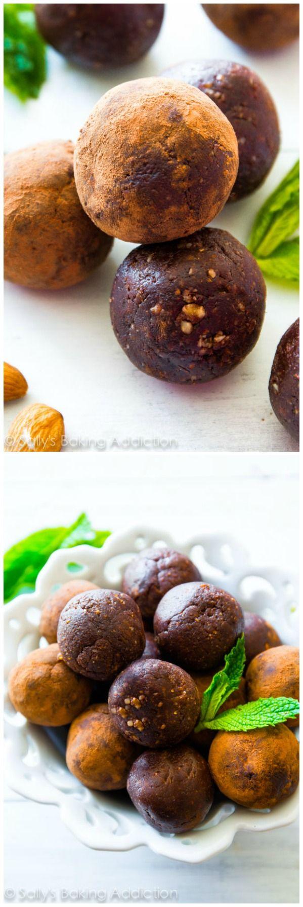 6 ingredient Mint Chocolate Energy Bites - gluten free, super fudgy, naturally sweetened, and no sugar crash!