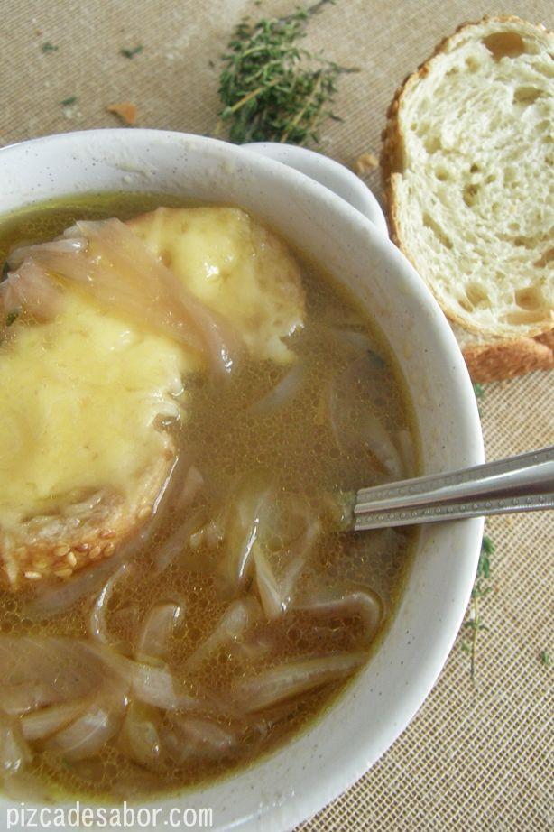 Sopa de cebolla Francesa | http://www.pizcadesabor.com/2013/02/06/sopa-de-cebolla-francesa/