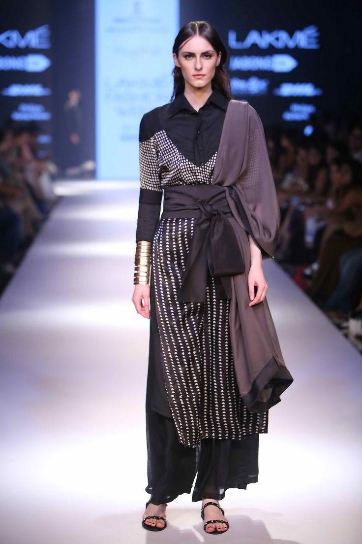 Lakmé Fashion Week – MAYHOO AT LFW WF 2015