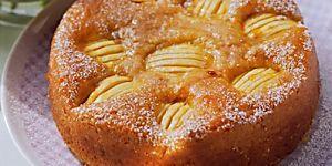 Découvrez cette recette facile pour faire un gâteau aux pommes moelleux. Un délicieux dessert ou goûter à savourer entre amis ou en famille.