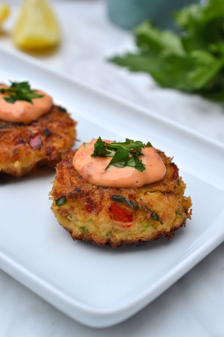 Crab cakes with roasted red pepper mayonnaise recipe