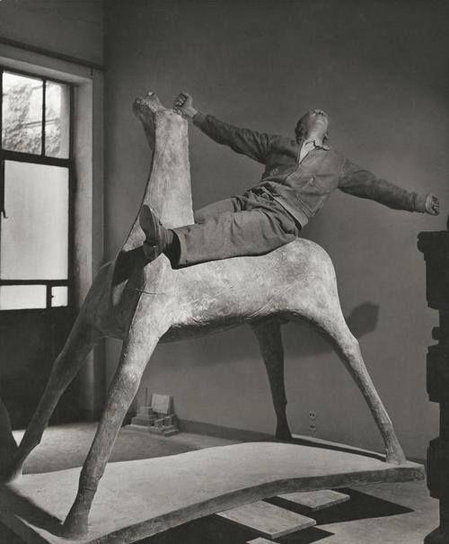 Marino Marini nel suo studio ,1952 @Herbert List