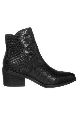 Lazamani - Low Boots - Black