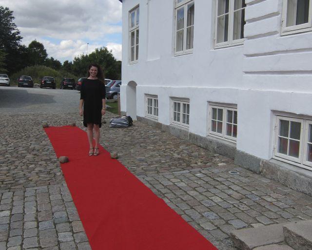 Julia Lahme, PR ansvarlig ankommer på den røde løber :-)