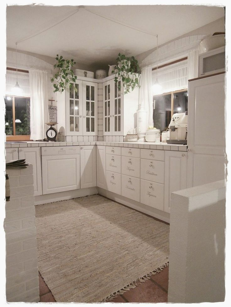 Shabby Landhaus Vorhernachherkücheesszimmer von Küche