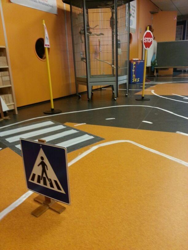 Weg tijdens het thema Verkeer op de Prinses Amaliaschool in Boxtel. www.prinses-amaliaschool.nl