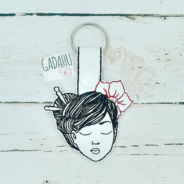 Geisha Snap tab Key Fob ITH Embroidery Design file