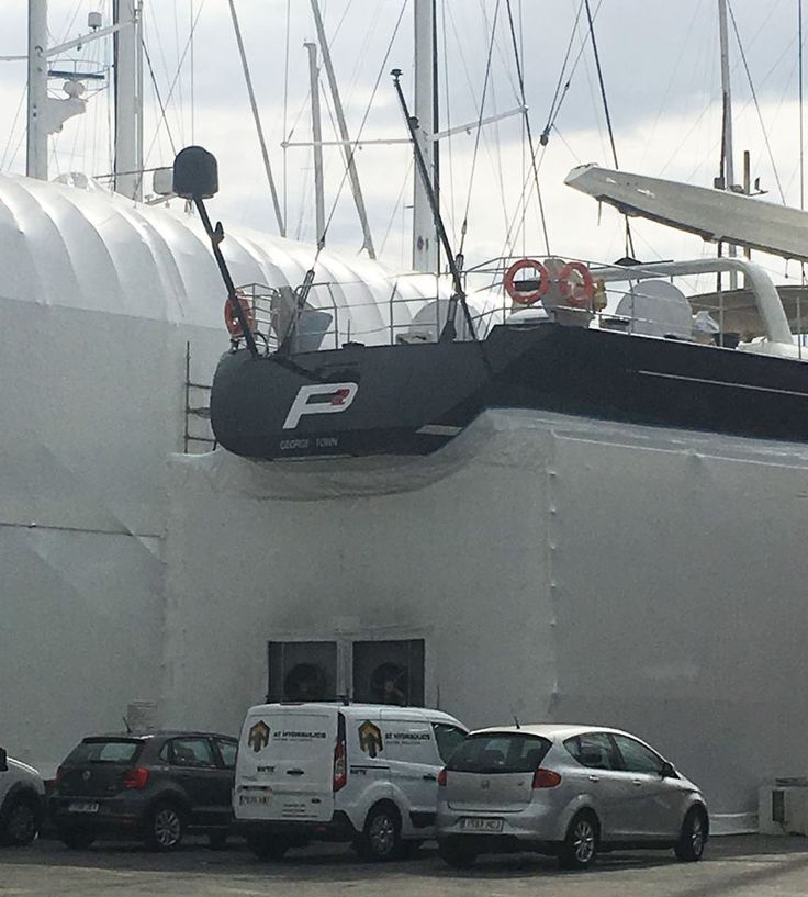 Great shot of Perini Navi built P2 with the antifoul containment fitted around her hull, ready for our #ABCPaint team to apply her full antifoul system. Her hull will be sandblasted prior to application and build up. Over in Club de Mar - Mallorca today our #ABCVarnish team also started a full varnish project aboard Vitters Shipyard built #Sailing #Yacht Marie. Great work from our teams! For your #OneStopShop #SuperyachtFinishingService contact info@absoluteboatcare.net…