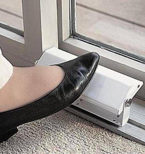 17 best ideas about mirrored sliding closet doors on pinterest mirrored wardrobe doors. Black Bedroom Furniture Sets. Home Design Ideas
