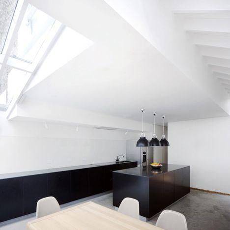 black kitchen: Interiors Design, Black White, Black Kitchens, Architects Gundri, Houses Exten, Ducker Architecture, Ducker Architects, White Kitchens, Dove Houses