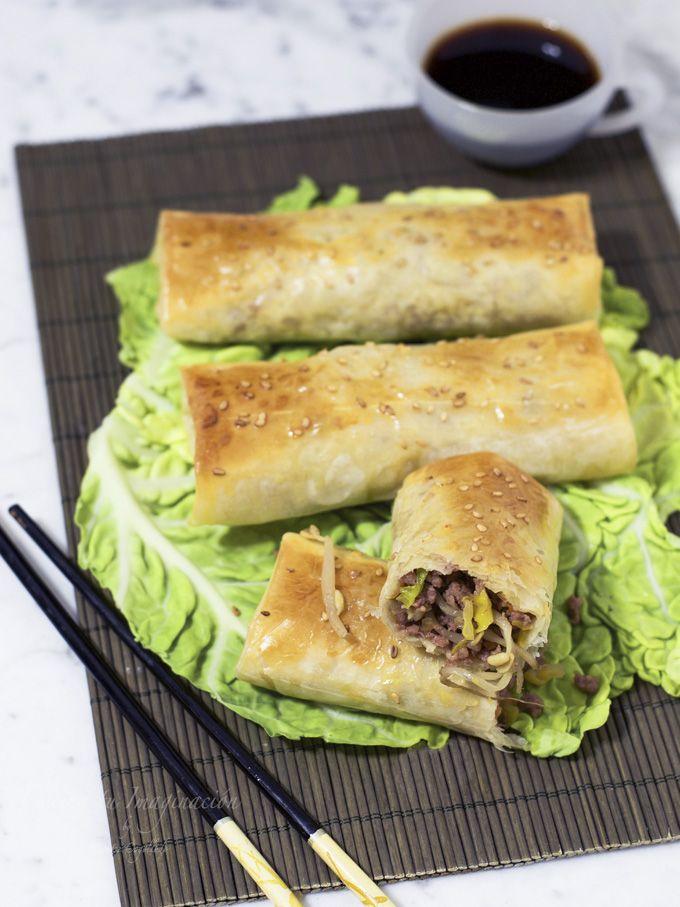 Rollitos de primavera al horno, uno de los platos más populares de la cocina china.