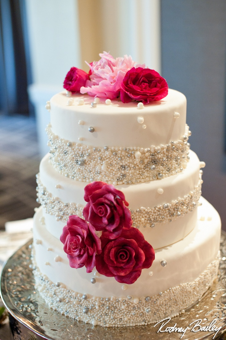 32 best wedding cakesfour seasons - dc images on pinterest
