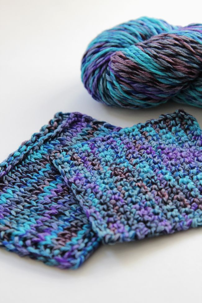Brown Sheep Company's Synchrony yarn, a 60/40 wool/cotton blend. Synchrony has a nice lightness to it, and it comes in a really fun range of colors! Learn more about it and enter to win a skein to try for yourself!
