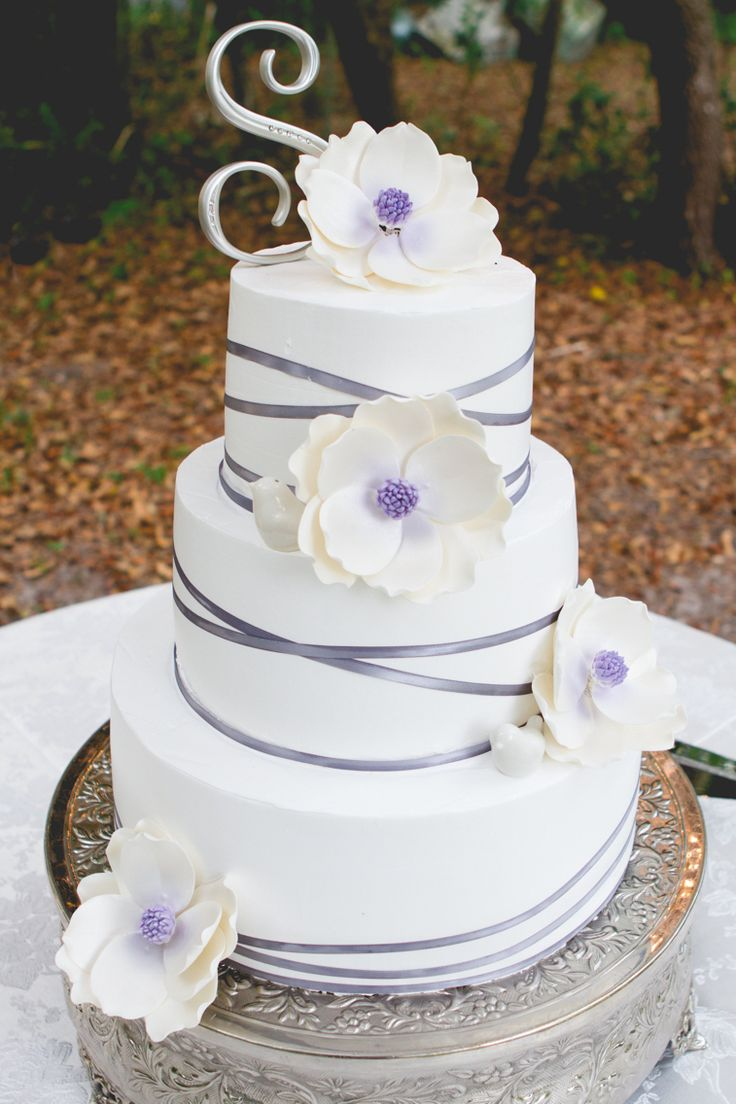 Whipped Cream Frosting On Wedding Cake