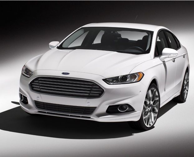 Ford got the design right. The 2013 Ford Focus looks a little like an Aston Martin to my eye.