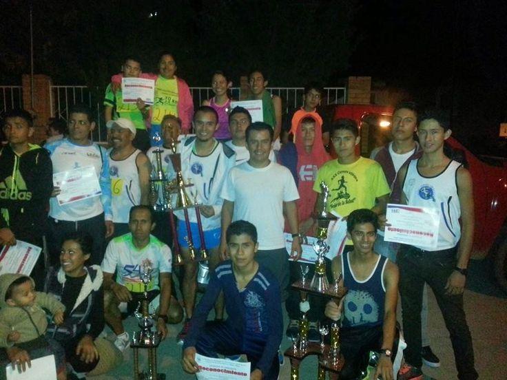 El club Alfredo Delgado triunfador de la carrera de relevos de Viñedos Ribier 2014 ~ Ags Sports