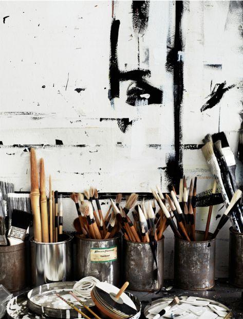 so so beautiful. black & white artist studio: Art Spaces, Artists Studios, Art Studios, Studios Spaces, Inspiration, Workspaces, Black White, Paintbrush, Paintings Brushes