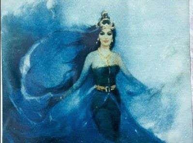 Inilah Kisah Misteri Kanjeng Ratu Kidul yang Barangkali Anda belum TAHU  Pada suatu masa hiduplah seorang putri cantik bernama Kadita. Karena kecantikannya ia pun dipanggil Dewi Srengenge yang berarti matahari yang indah. Dewi Srengenge adalah anak dari Raja Munding Wangi. Meskipun sang raja mempunyai seorang putri yang cantik ia selalu bersedih karena sebenarnya ia selalu berharap mempunyai anak laki-laki. Raja pun kemudian menikah dengan Dewi Mutiara dan mendapatkan putra dari perkimpoian…