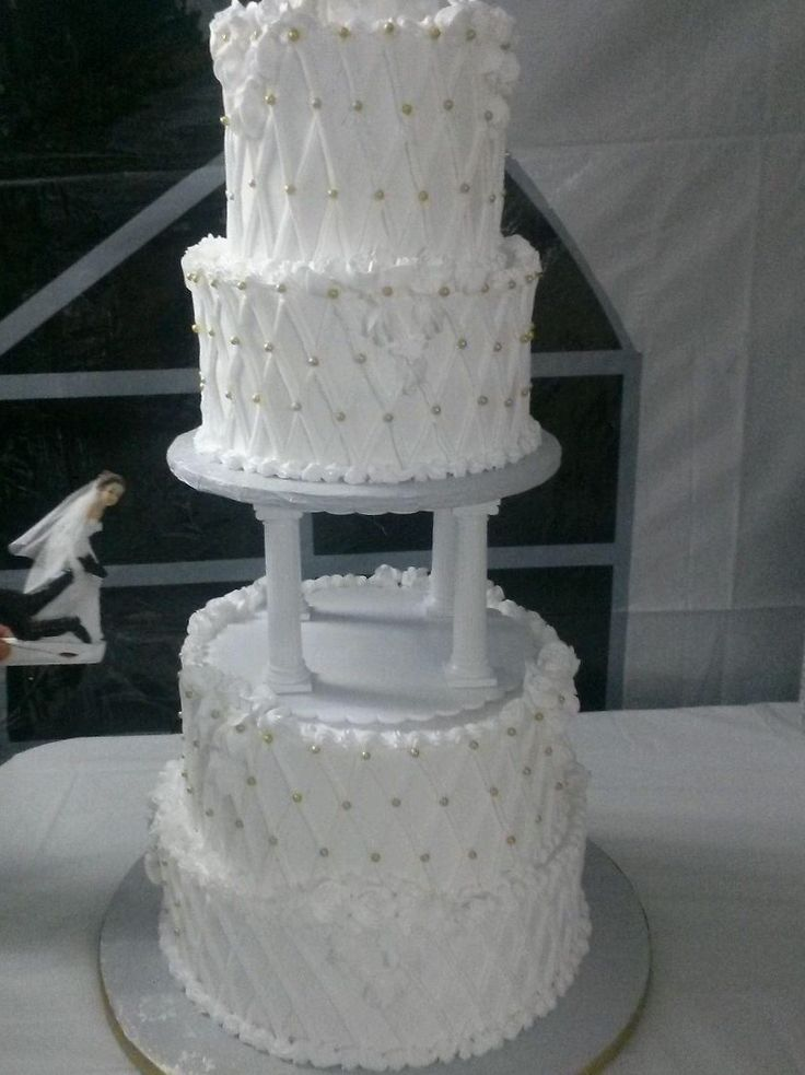 how to make whipped icing for wedding cakes icing all white wedding cake with gold 16064