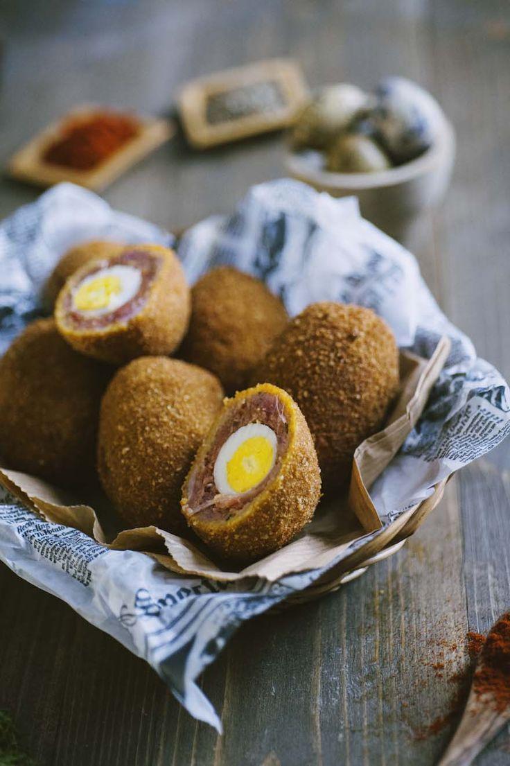 Uova alla scozzese: Un #aperitivo originale e irresistibile: ecco a te le #uova alla #scozzese, una tipica ricetta Scozzese direttamente sulla tua tavola!