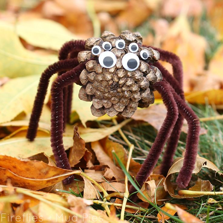 pinecone spiders a halloween nature craft for kids - Halloween Spider Craft Ideas
