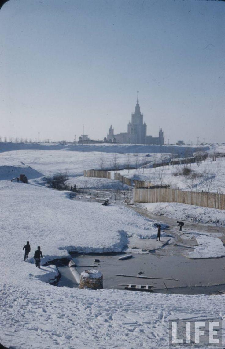Москва и москвичи. Зима 1959 года глазами Карла Миданса (журнал Life). Часть 4 - Записки скучного человека
