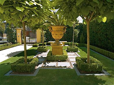 beverly hills formal landscapes | Amazing Formal Garden Design from GILSON GROUP LANDSCAPE DESIGN. photo