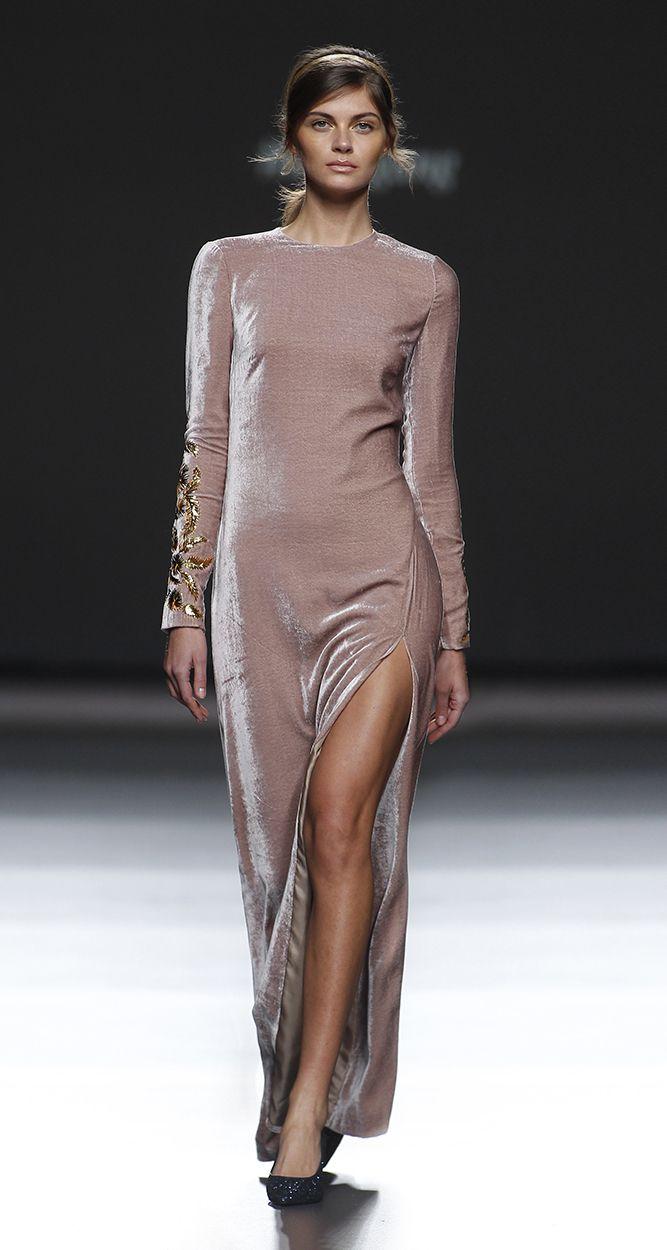 Lazo Caprichoso Blog de moda Moda Low Cost II Vestido de terciopelo rosa Teresa Helbig (3)
