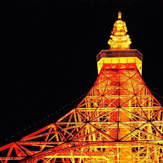 Instagram【m.a.k.o.t.o1238】さんの写真をピンしています。 《12/30 東京タワー #写真#風景#景色#一眼#一眼レフ#カメラ#カメラ部 #キャノン#cannon #夜景#点灯 #東京#新宿#芝公園#東京タワー#オレンジ#四ツ谷 #冬#季節#綺麗 #写真撮ってる人と繋がりたい  #写真好きな人と繋がりたい  #pic #photo #東京カメラ部 #camera》