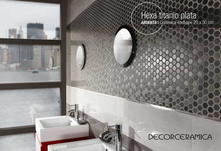 #ideasdecor te recomienda | Un mosaico precorte para dar acento a la pared Este mosaico precorte estilo geométrico es ideal para destacar una porción de tu pared, de manera que al combinarlo con otros enchapes de tonalidades grises consigas un ambiente único y personalizado. Conoce más sobre la cerámica enchape Hexa titanio de la marca Argenta en nuestro sitio web http://bit.ly/1PnDICd