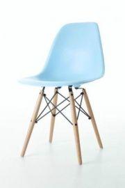 Replica design kinderstoel hemelsblauw op www.teleukhout.nl voor 48,95 euro en 5,95 verzendkosten! | Tot en met zondag 24 november nog 10% korting op ons hele assortiment! | Te Leuk Hout