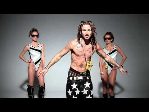 ▶ RiFF RAFF - DOLCE & GABBANA (Official Video) - YouTube  Riff Raff makes me laugh~~~