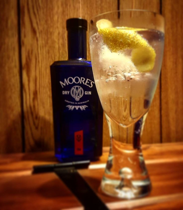 Moores Gin from Australia all about the coriander seed. #mooresgin #australiangin #gin #craftgin #ginoclock #ginstagram #ginspiration