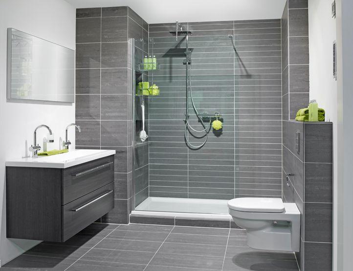 Badkamer inrichting met betonlook tegels