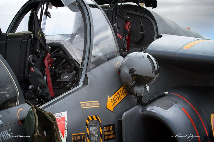 Casque & Dassault - Dornier Alpha Jet | Helmet & Dassault - Dornier Alpha Jet: http://tazintosh.com #FocusedOn #Photo #Avord #Canon EF 100-400mm f/4.5-5.6L IS USM #Canon EOS 7D #Casque #Helmet #Dassault #Dornier Alpha Jet #Fuselage